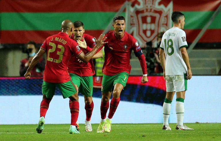 Cristiano Ronaldo erró un penal... pero con dos golazos quebró un récord que parecía inalcanzable