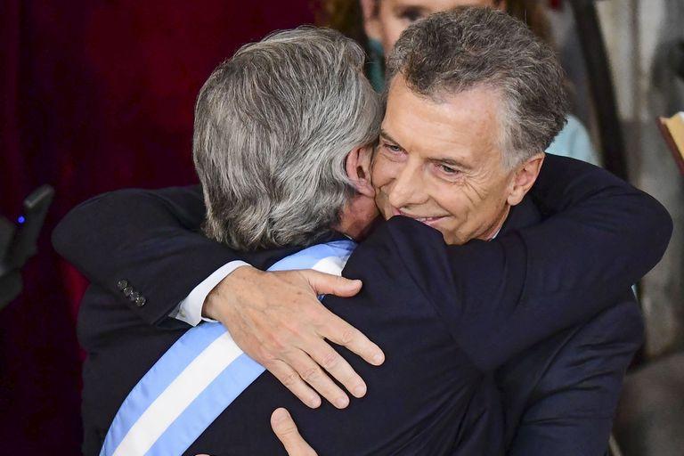 Alberto-Mauricio, el abrazo de la historia