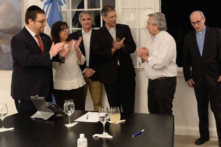 Los referentes de la iniciativa #SeamosUno, junto con el presidente Alberto Fernández
