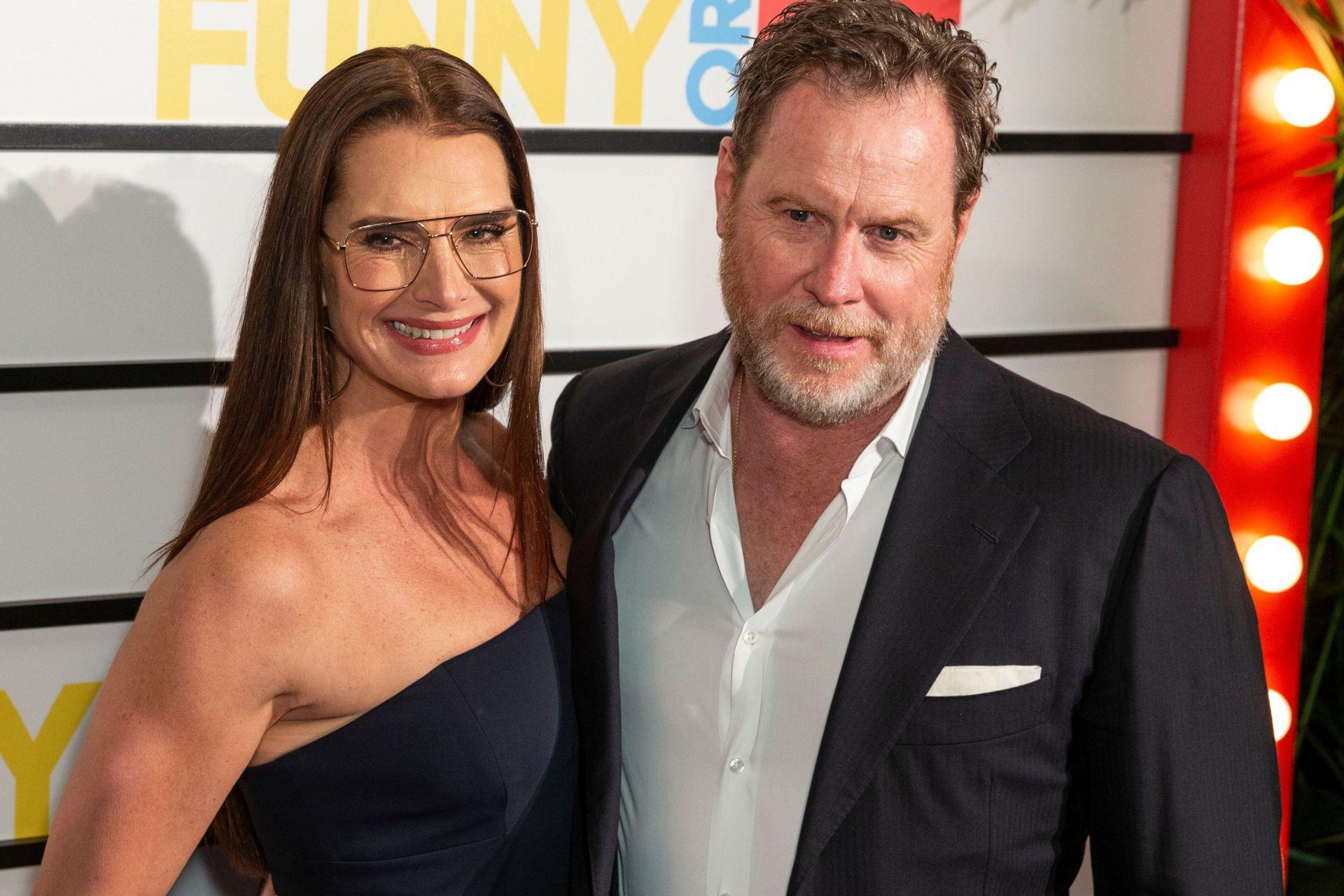 Brooke Shields y Chris Henchy llevan 20 años de casados
