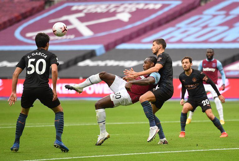 West Ham-Manchester City: el gol de chilena de Antonio y solo un tiempo del Kun