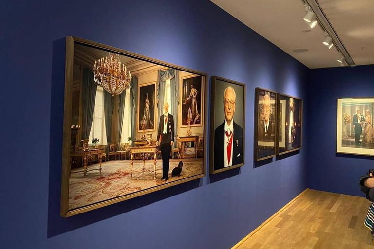 En la exposición realizada en el Museo Kunsthalle de Múnich también puede verse una fotografía del duque de Baviera en solitario
