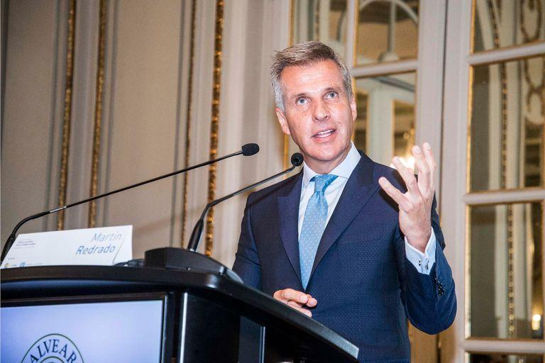 Martín Redrado tiene contacto frecuente con Alberto Fernández. Antes que una propuesta con quita, le sugirió hacer un programa fiscal consistente.