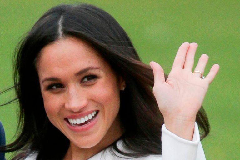 La duquesa de Sussex pronunció un discurso en un evento por streaming y mostró su nuevo look, que generó repercusiones en las redes y la prensa