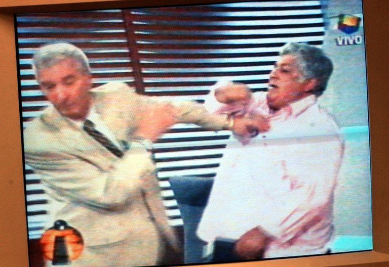 Pelea entre Mauro Viale y Alberto Samid, el 10-01-02