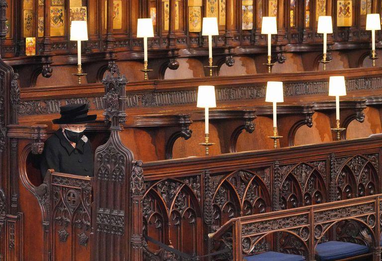 La imagen más desoladora: la reina en el funeral de su esposo, el duque de Edimburgo, el pasado 17 de abril