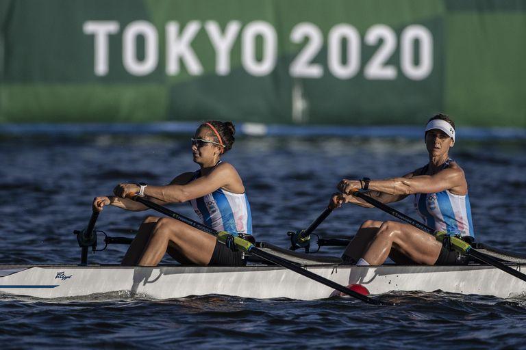 El equipo que representó a la Argentina en la disciplina de remo, conformado por Milka Kraljev y Evelyn Silvestro