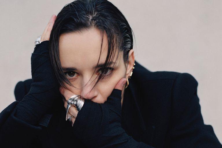 Jehnny Beth, la líder de la feroz banda post-punk Savages, en París, 17 de enero de 2020.