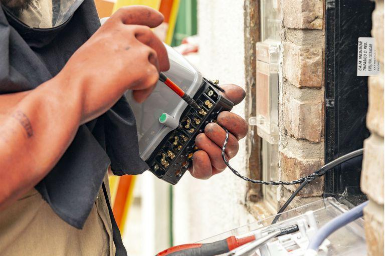 Deberá constituirse un nuevo organismo de control que cumplirá las funciones del Ente Nacional Regulador de la Electricidad (ENRE)