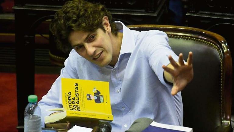 Martín Lousteau, quien el martes fue agredido en la vía pública, durante la sesión de la Cámara baja