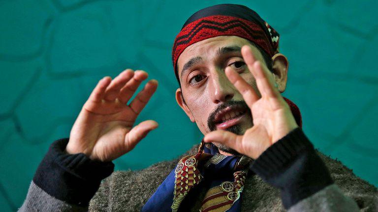 Jones Huala desde la cárcel, en Esquel, donde espera saber si será extraditado a Chile, el líder mapuche advierte sobre el aumento de la violencia de grupos originarios si no logra permanecer en el país