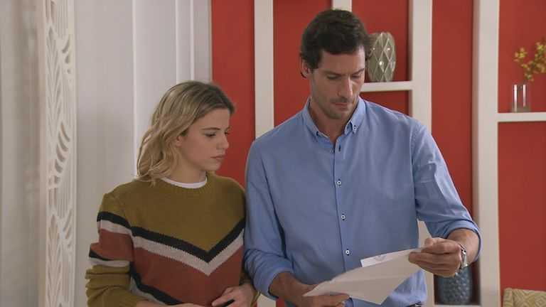 Una citación judicial complica la relación de Miranda y Manuel