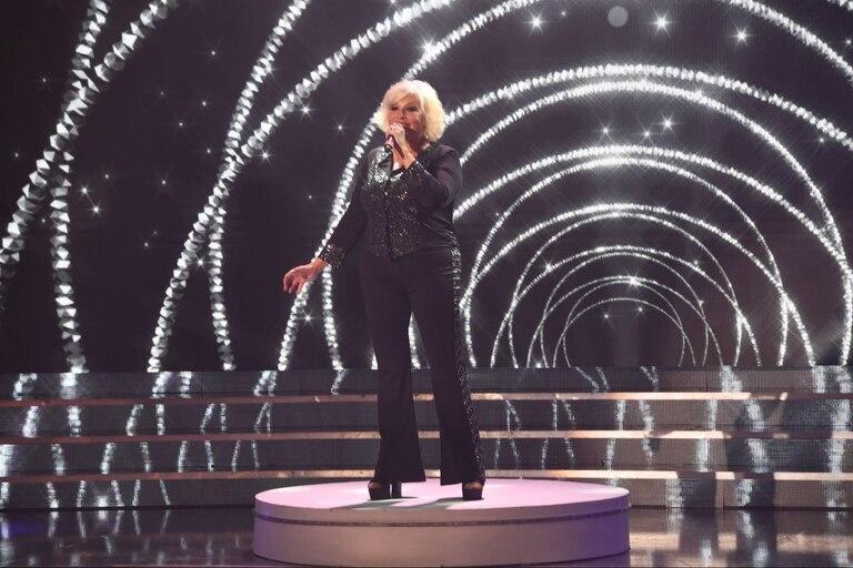 Luisa Albinoni se animó a cantar en inglés
