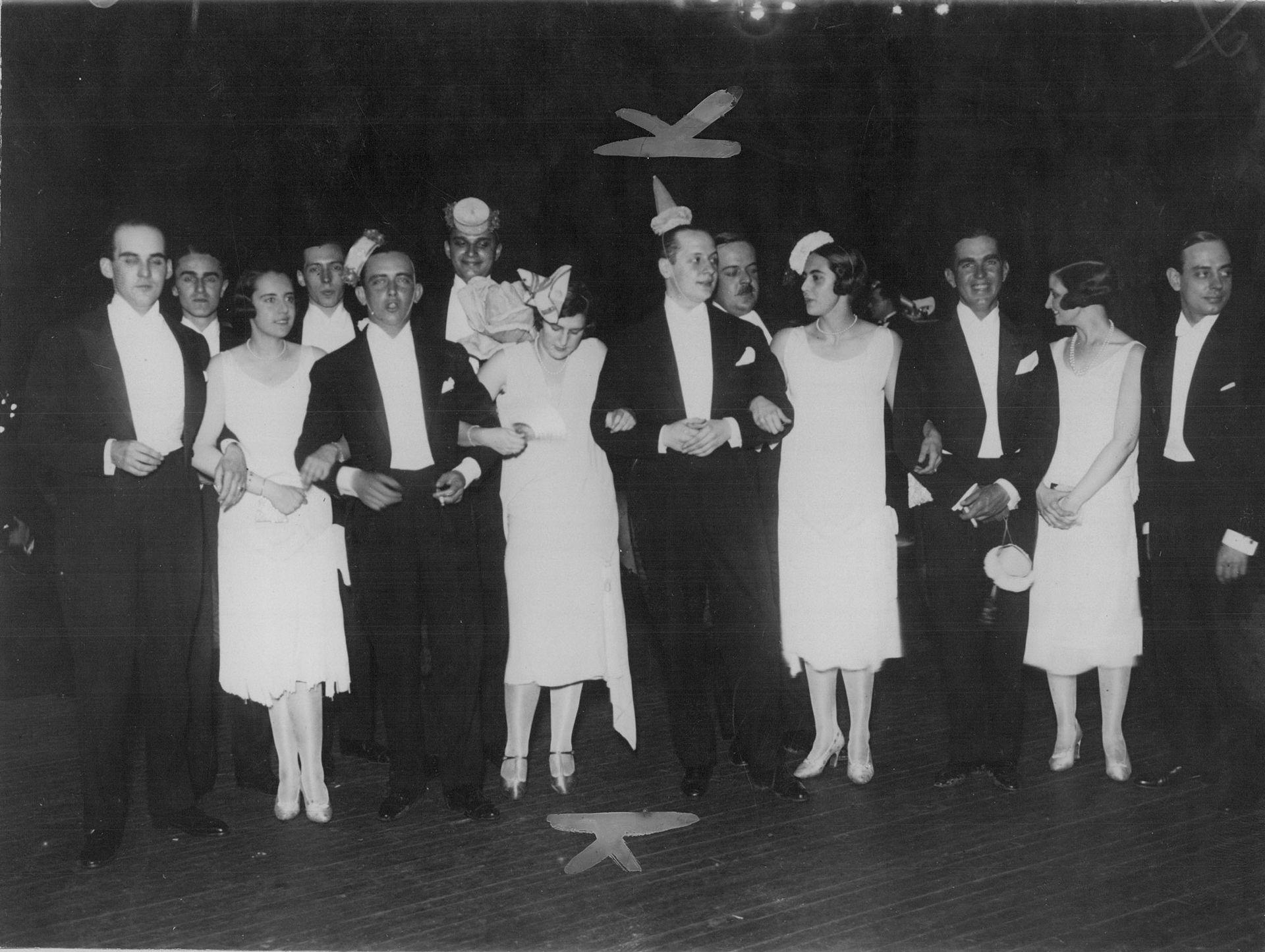 Las fiestas de Fin de Año en el Palacio Dose eran un clásico. Las organizaba Alberto Dose, hermano de Justa, que vivía también en esa residencia. Diciembre de 1926.