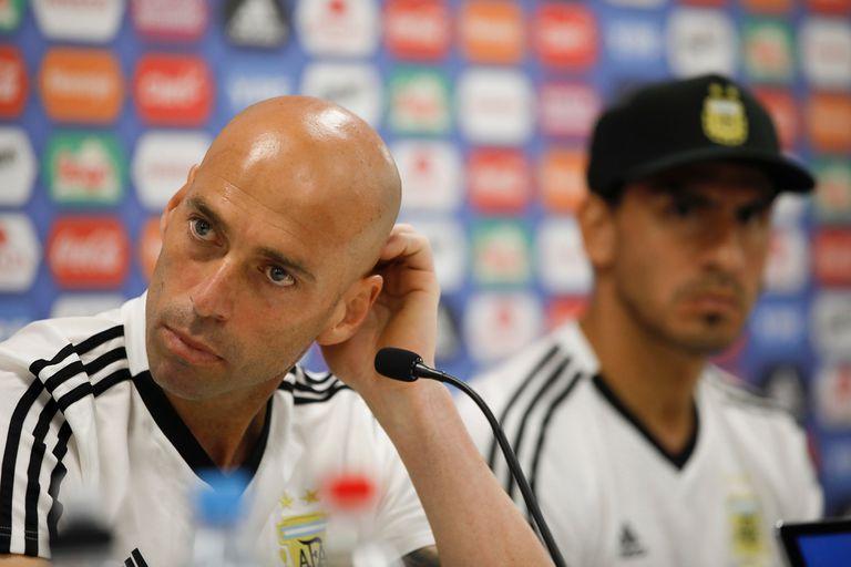 Caballero y Guzmán señalaron que la selección llega en buenas condiciones al debut con Islandia