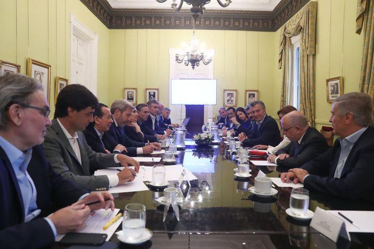 Macri reunió ayer a su equipo y le pidió que contribuyan a una transición ordenada