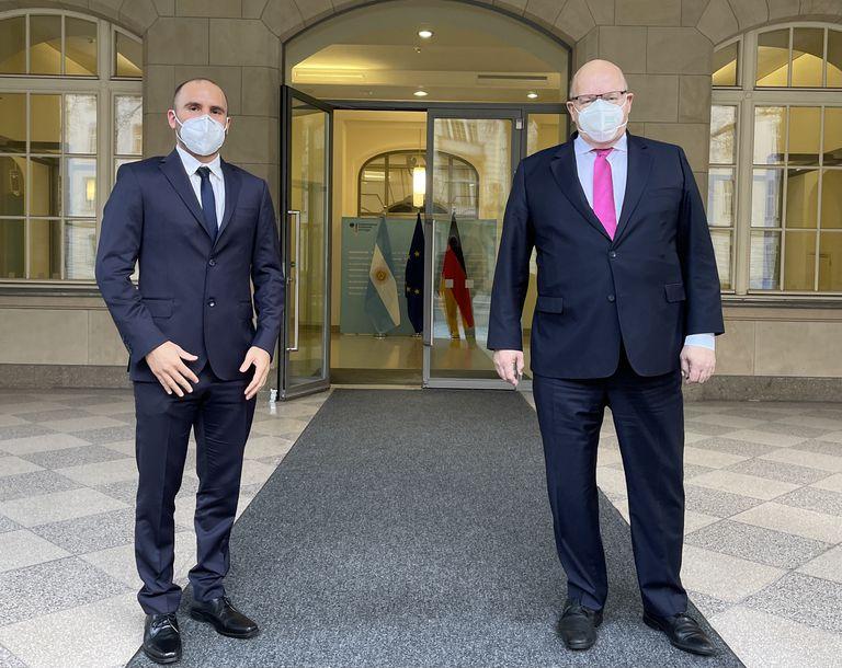 Martín Guzmán y el ministro de Asuntos de Economía y Energía de Alemania, Peter Altmaier, en su encuentro de esta tarde en Berlín