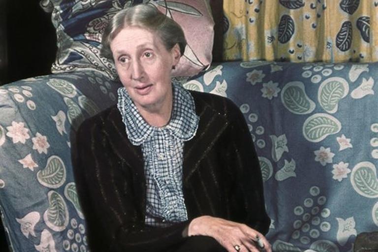 La escritoria Virginia Woolf es considerada una de las más destacadas figuras del vanguardismo moderno anglosajón del siglo XX y del feminismo internacional
