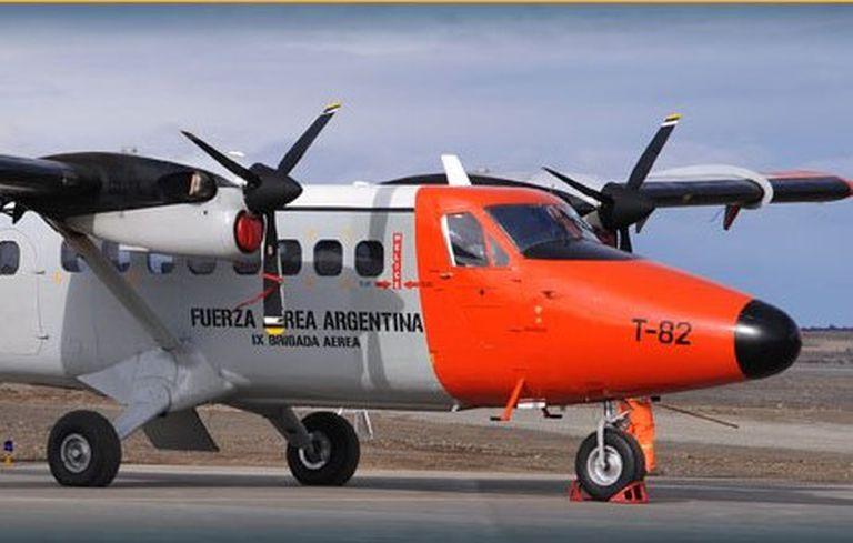 Uno de los aviones de la Fuerza Aérea que vuela para LADE