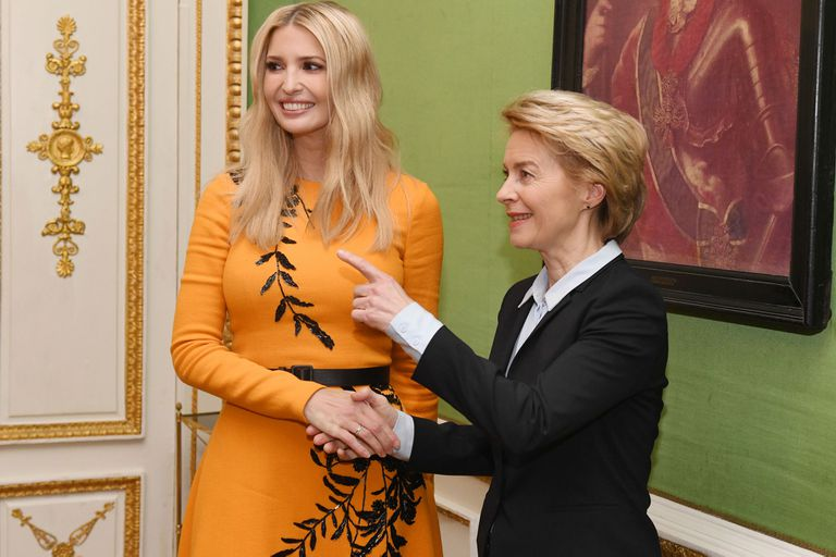 Como una reina: la hija del presidente estadounidense asistió a un evento con el mismo vestido de Oscar de la Renta que lució Máxima recientemente.