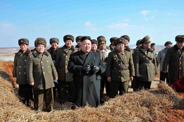 Acusan a Corea del Norte de matar y prender fuego a un funcionario surcoreano
