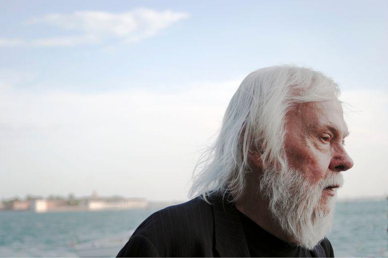 El artista John Baldessari, en Venecia, 2009, cuando recibió el en la bienal el León de Oro por su carrera