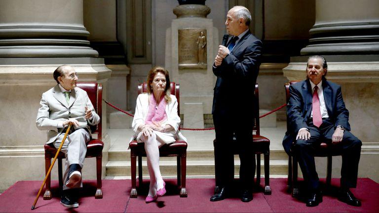 Lorenzetti habla y mira a Fayt, el 14 de diciembre pasado, en un acto en homenaje al por entonces juez que falleció anoche