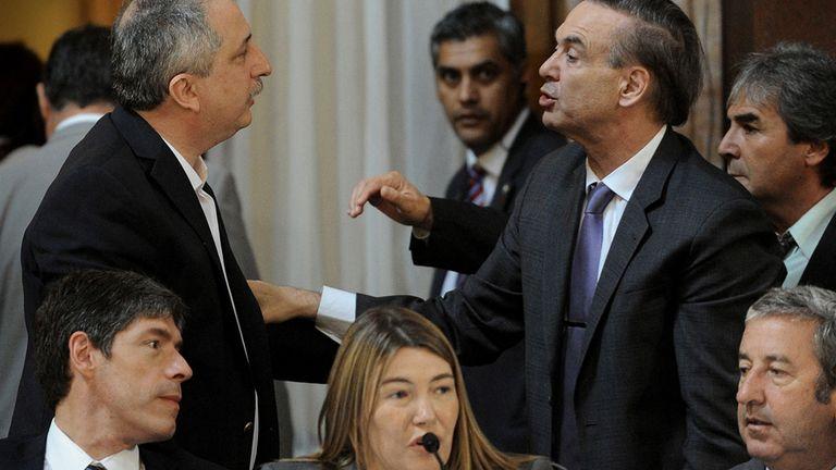 Abal Medina, Bertone y Cobos, ayer en el Senado; más atrás, Passalacqua, de Misiones, con el senador Pichetto