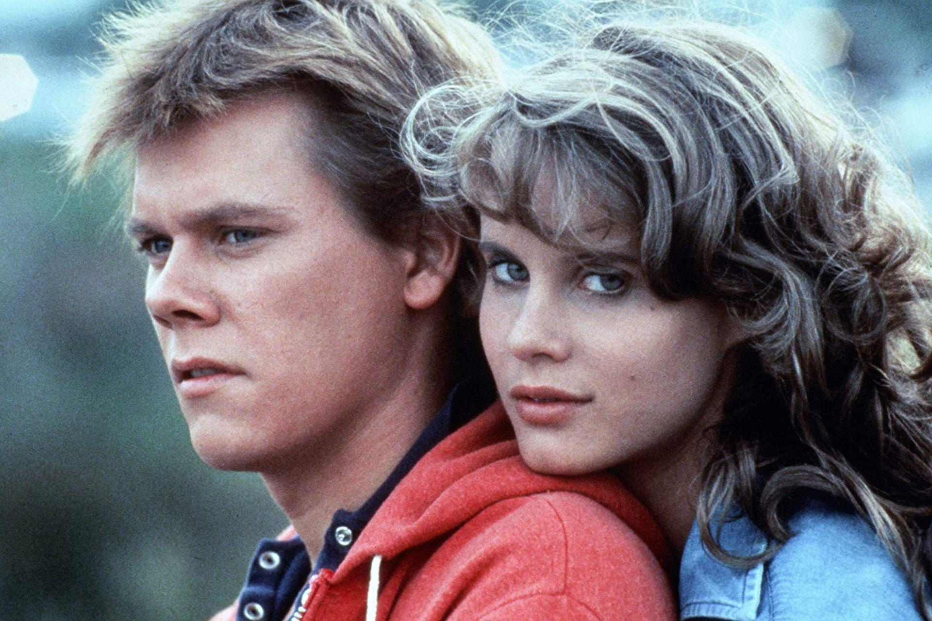 Con Lori Singer en el megaéxito que lanzó su carrera en 1984: Footloose (1984)