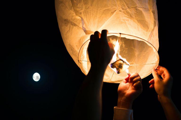 Un globo pirotécnico dejó sin luz a 200.000 personas en Neuquén