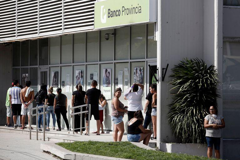 Controversia por el pago de intereses de un título del Banco Provincia