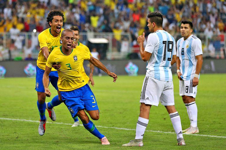 Argentina-Brasil: al colectivo de Scaloni se le coló la derrota por la ventana