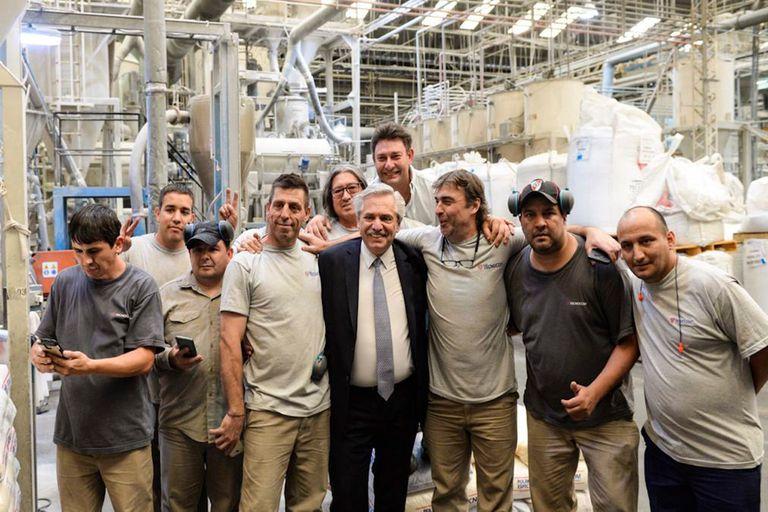 La visita de Alberto Fernández a Tecnocom. Sus dueños dicen que el Presidente los eligió porque son un ejemplo de la situación de las Pymes.