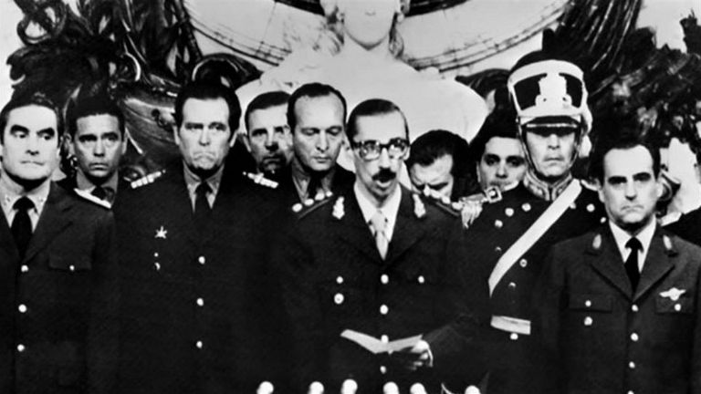 Asunción de Rafael Videla como presidente de facto