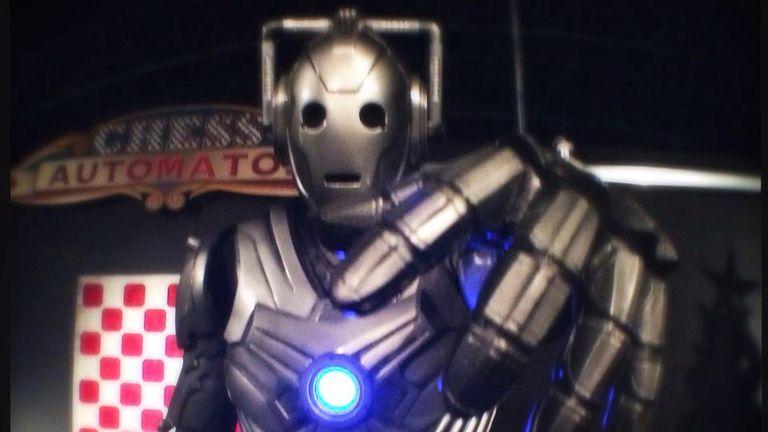 Un Cyberman de la serie televisiva Dr Who