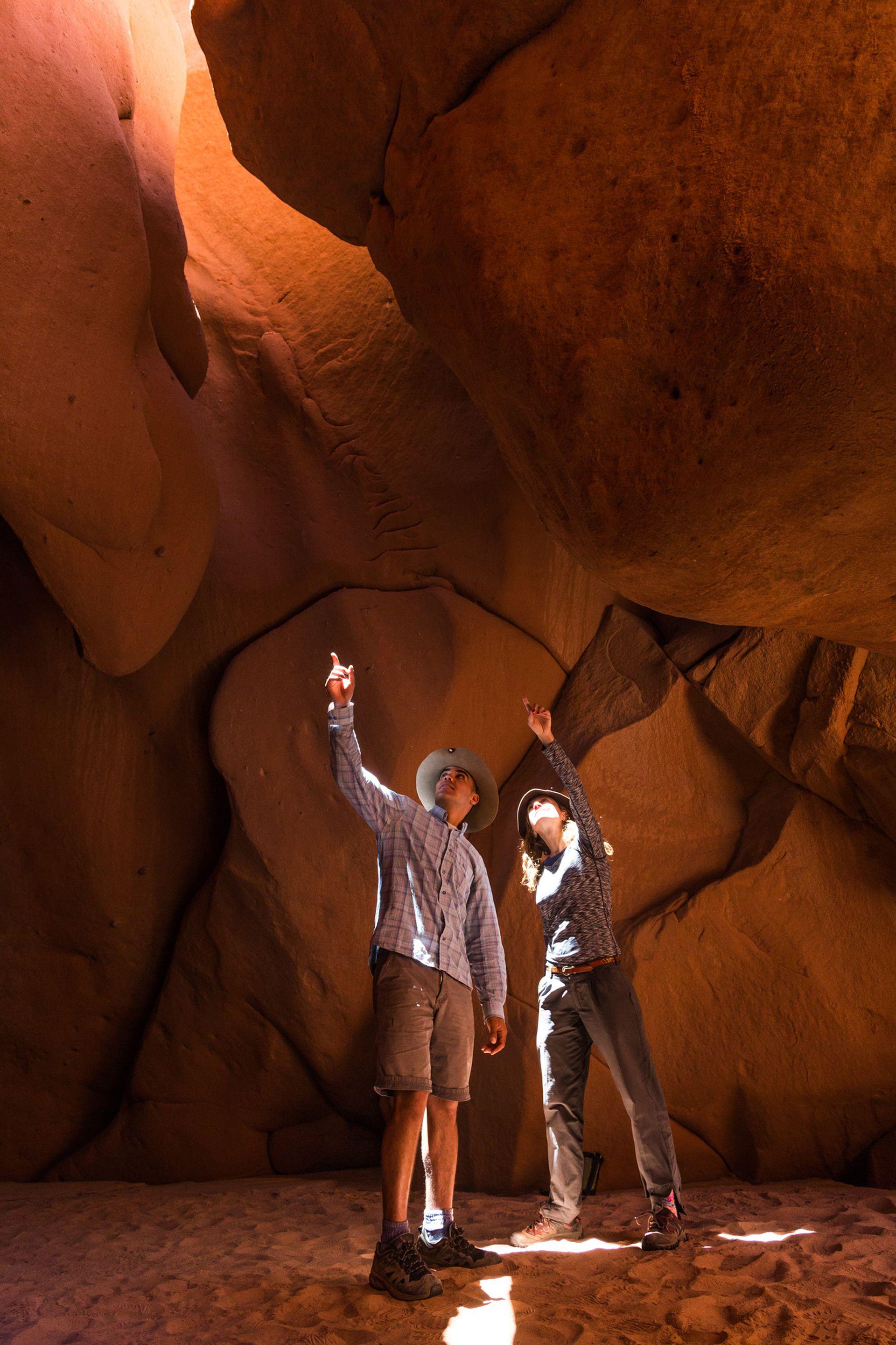 Las cuevas son un dominio del más absoluto rojo.