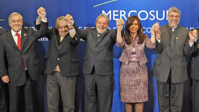 Los ex presidentes Sebastián Piñera (Chile), Pepe Mujica (Uruguay), Lula Da Silva (Brasil), Cristina Kirchner (Argentina) y Fernando Lugo (Paraguay)