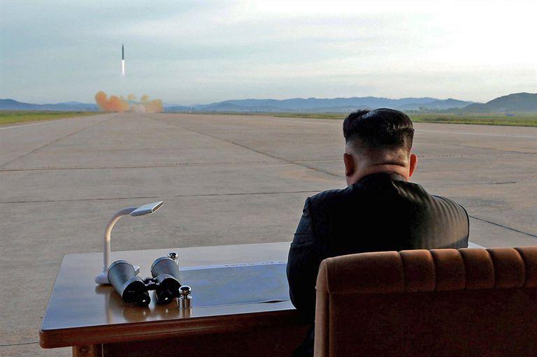 Kim Jong-un suele controlar personalmente los ensayos balísticos