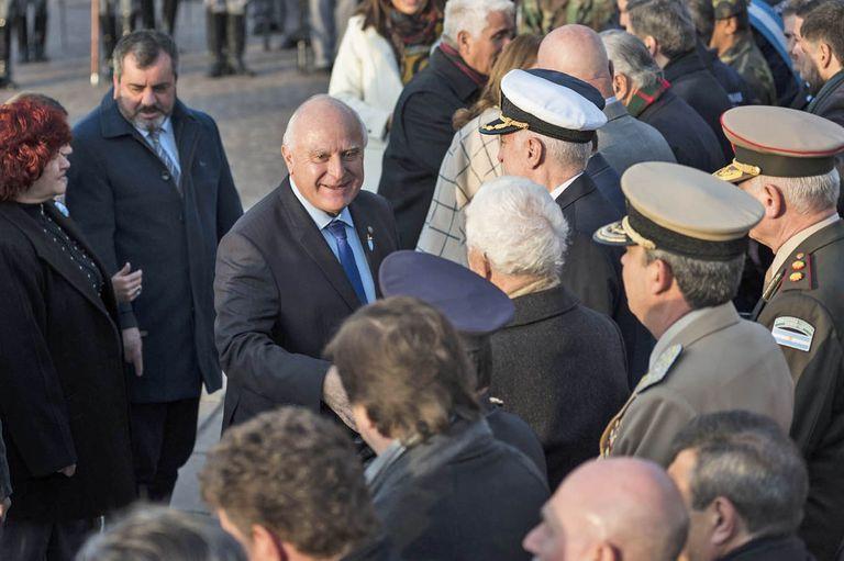 """Lifschitz, en el acto por la bandera: """"No comparto que el Presidente no venga"""""""