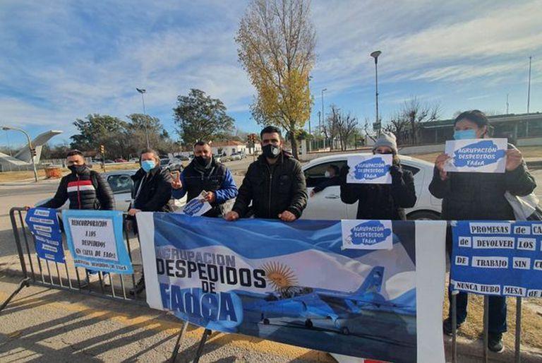 En medio de la visita de Alberto Fernández, exempleados de Fadea reclamaron ser reincorporados