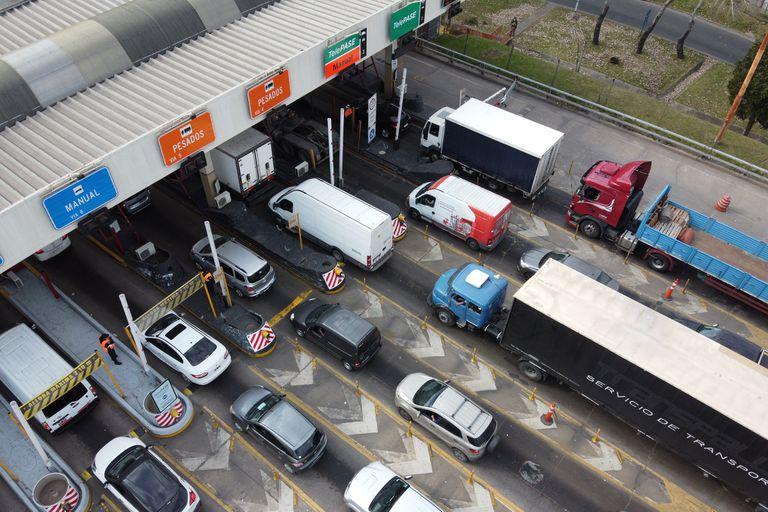 Los conductores que no cuenten con el TelePASE abonarán el doble de la tarifa manual que corresponda según la autopista y el horario