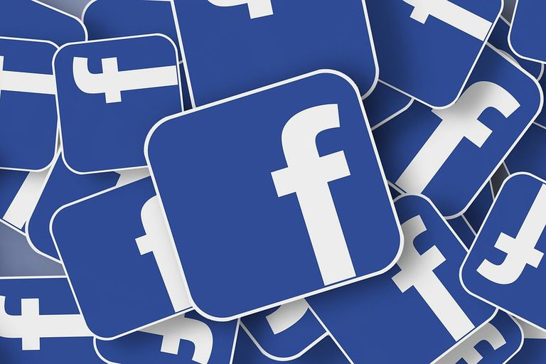 Facebook recibe los golpes mientras el resto de Silicon Valley se escabulle