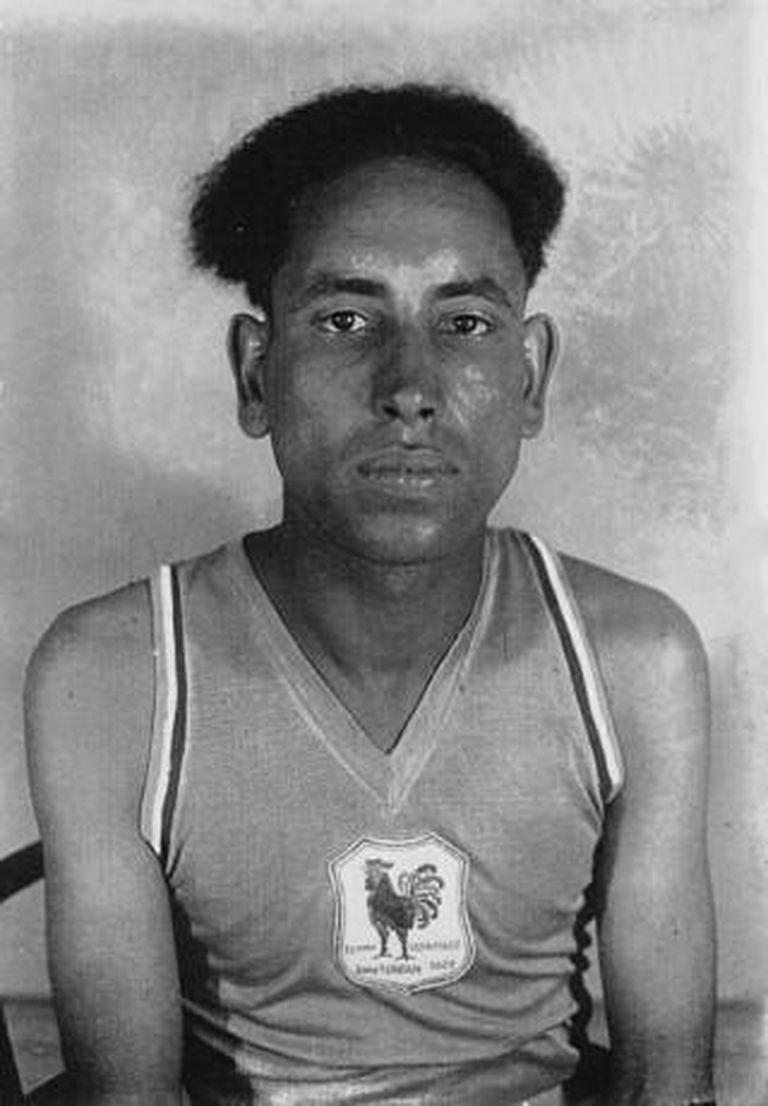 Durante varios años vivió como homeless y en el completo olvido del mundo deportivo hasta que en 1956 otro compatriota ganó la medalla de oro en la misma disciplina
