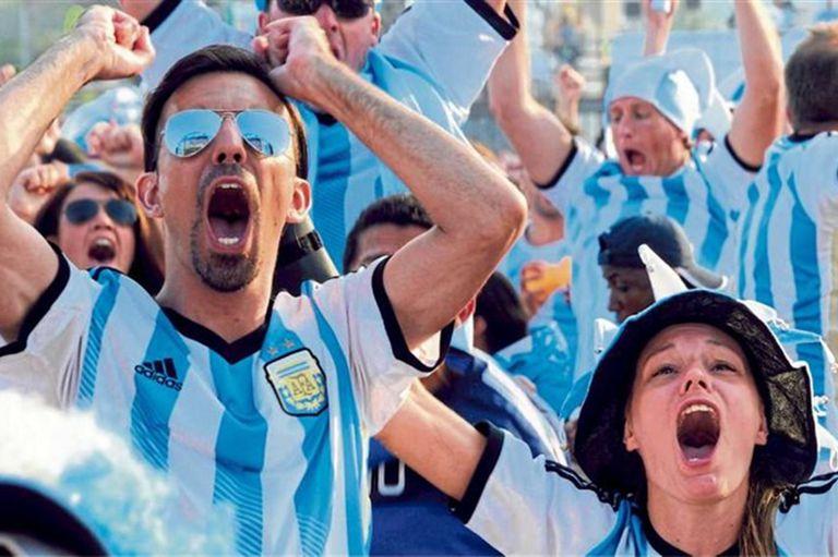 Historias de argentinos que se preparan para aterrizar en el gigante euroasiático, solos, en grupo, gasoleros o con paquetes de agencias