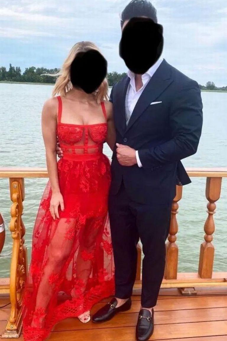 El atuendo de encaje y con transparencia de la invitada a la boda generó acalorados debates en la red Reddit