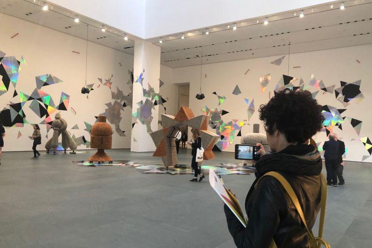 Instalación de Haegue Yang en el corazón del museo