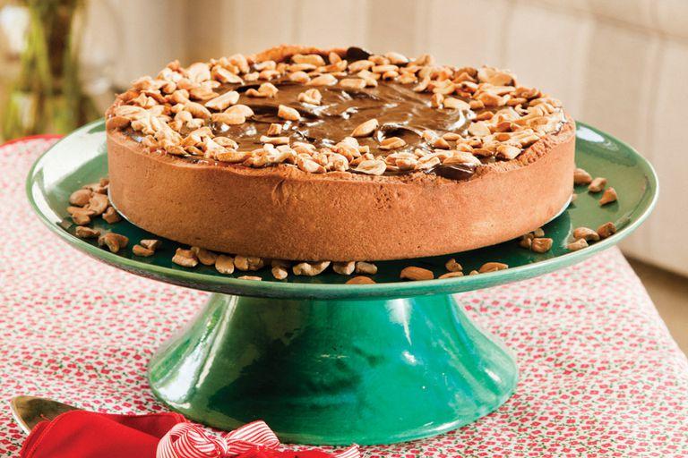 Tarta de chocolate, caramelo y almendras