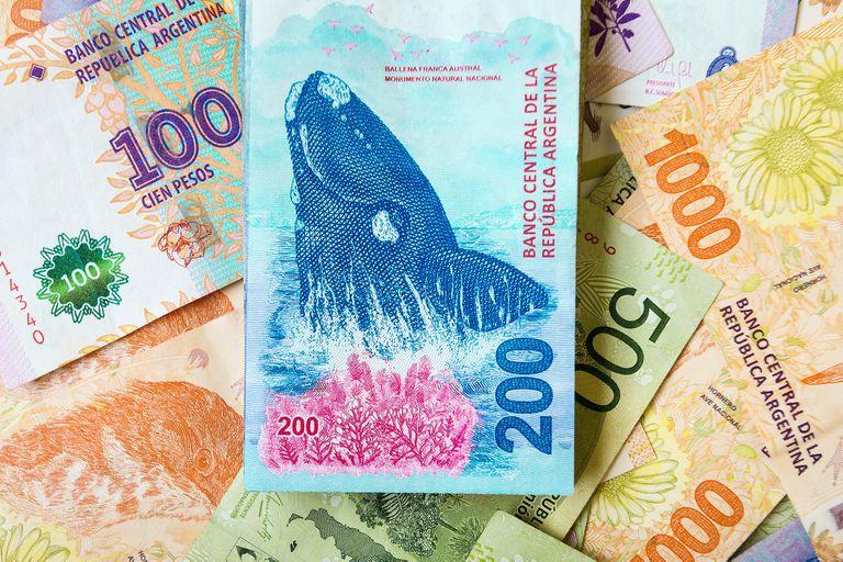 Devaluación: a 4 años de su lanzamiento, el billete de $200 vale casi un dólar