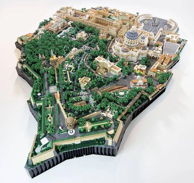 Vista general de la réplica de la Ciudad del Vaticano