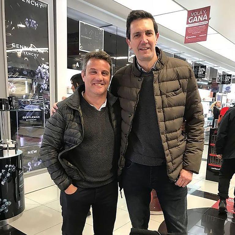 Con Diego Albanese, ex rugbier y compañero en ESPN; en el deporte oval Miguel hizo sus primeras armas en el periodismo.